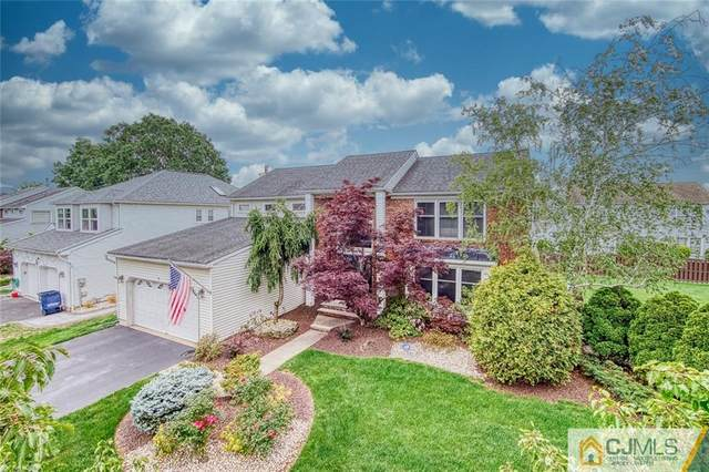 8 Berwick Circle, North Brunswick, NJ 08902 (MLS #2150674M) :: Parikh Real Estate