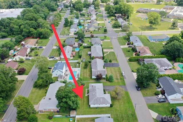 1375 Sioux Road, North Brunswick, NJ 08902 (MLS #2201367R) :: Parikh Real Estate