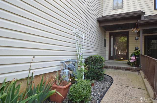 434 Oak Knoll Drive, Manalapan, NJ 07726 (MLS #2204985R) :: William Hagan Group