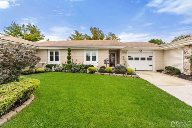 486 Grandin Road B, Monroe, NJ 08831 (#2205555R) :: Rowack Real Estate Team