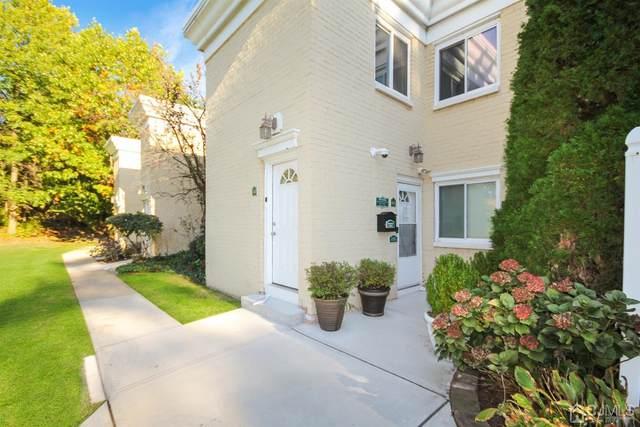 3 Lake Avenue 4A, East Brunswick, NJ 08816 (MLS #2205660R) :: Gold Standard Realty