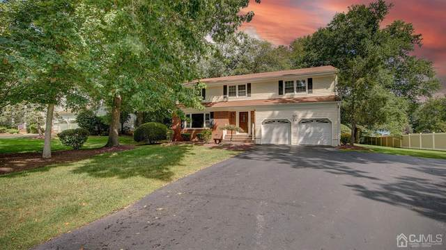 14 Friar Lane, Manalapan, NJ 07726 (MLS #2205692R) :: William Hagan Group