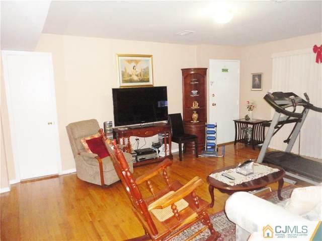 1105 N Oaks Boulevard, North Brunswick, NJ 08902 (MLS #2011112) :: REMAX Platinum