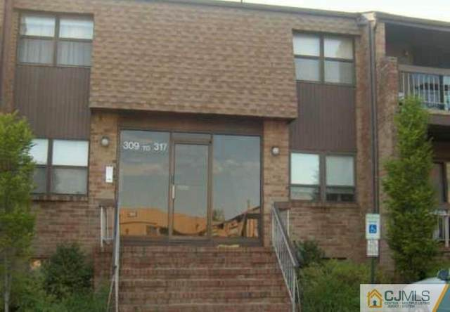 310 Sharon Garden Court #310, Woodbridge Proper, NJ 07095 (MLS #2011586) :: William Hagan Group