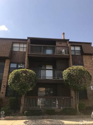 622 Sharon Garden Court #622, Woodbridge Proper, NJ 07095 (MLS #2103627) :: William Hagan Group