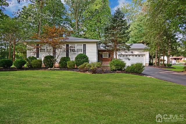 447 Brentwood Drive, Piscataway, NJ 08854 (MLS #2104956) :: William Hagan Group