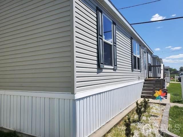 26 Dalbert Street E5, Carteret, NJ 07008 (MLS #2116986R) :: Kiliszek Real Estate Experts
