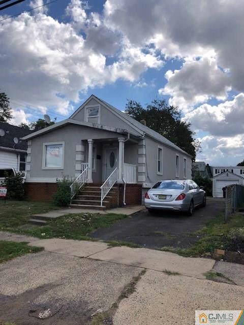 982 Livingston Avenue, North Brunswick, NJ 08902 (MLS #2004823) :: The Dekanski Home Selling Team