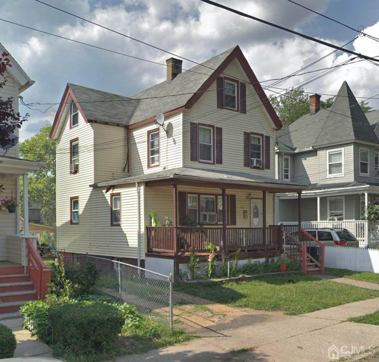 613 6th Street - Photo 1