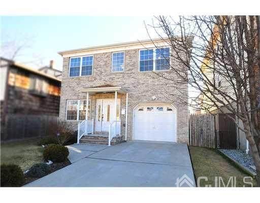 30 N Whittier Street, Carteret, NJ 07008 (MLS #2112155) :: The Sikora Group