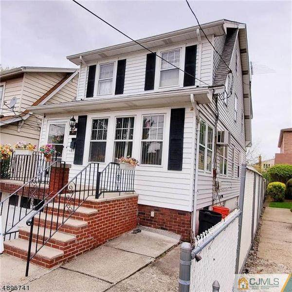 433 Columbia Avenue, Cliffside Park, NJ 07010 (MLS #2112606R) :: William Hagan Group