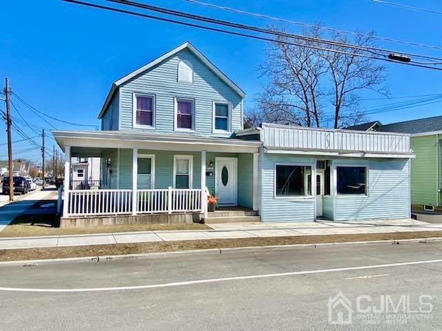 103 Pine Avenue - Photo 1