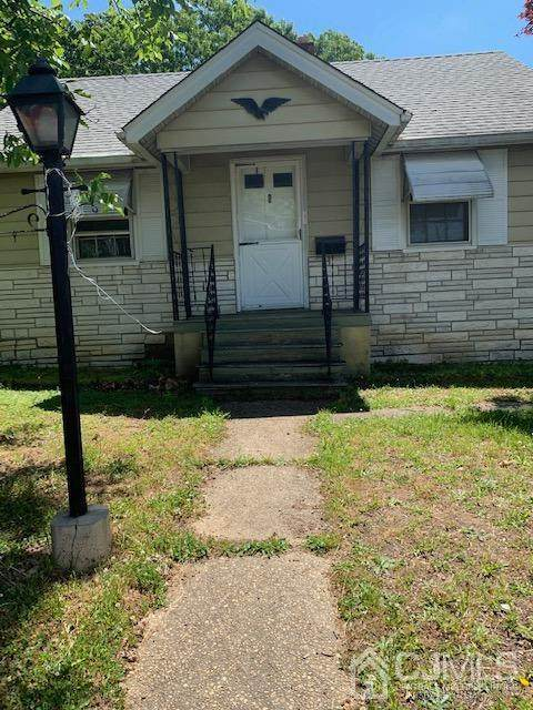 731 Laurence Parkway - Photo 1