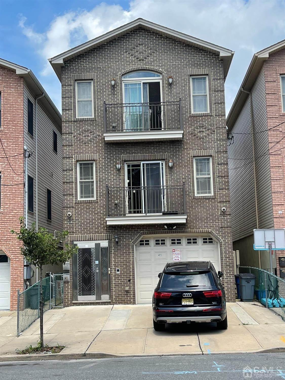 130 Beacon Avenue - Photo 1