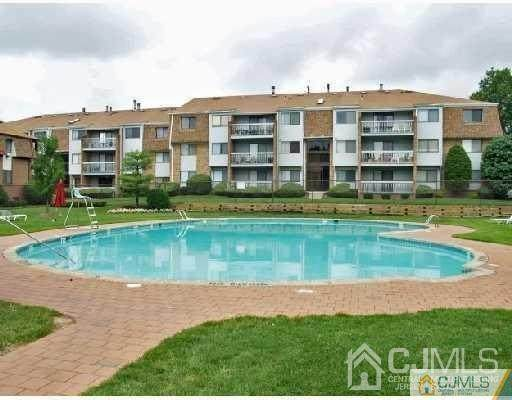 1410 Edison Glen Terrace, Edison, NJ 08837 (MLS #2201065R) :: The Michele Klug Team | Keller Williams Towne Square Realty
