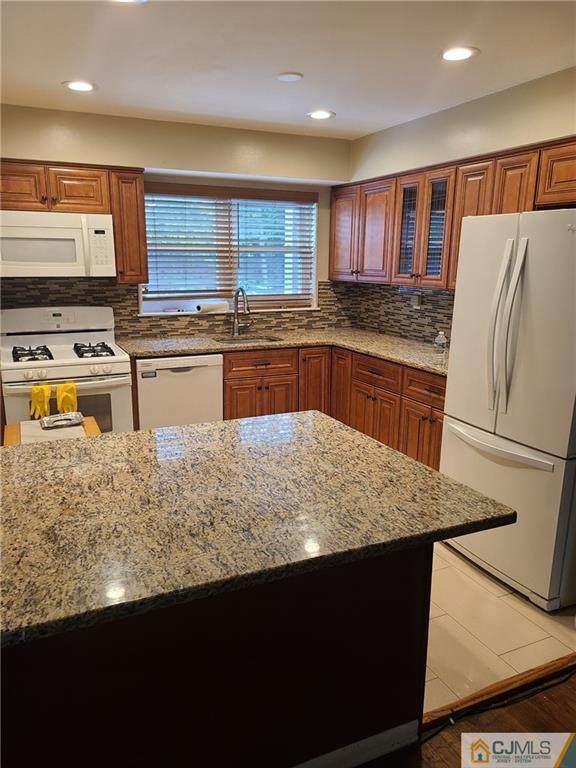 38A Woodedge Avenue #3, Edison, NJ 08817 (MLS #2250221M) :: William Hagan Group