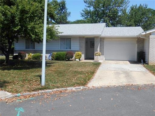 161A Kalmia Plaza, Monroe, NJ 08831 (MLS #1909672) :: Vendrell Home Selling Team