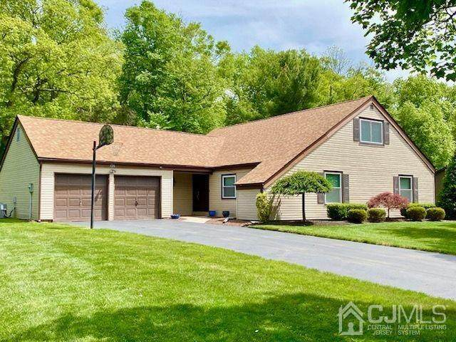 142 Townsend Drive, Freehold Twp, NJ 07728 (#2016541) :: Daunno Realty Services, LLC