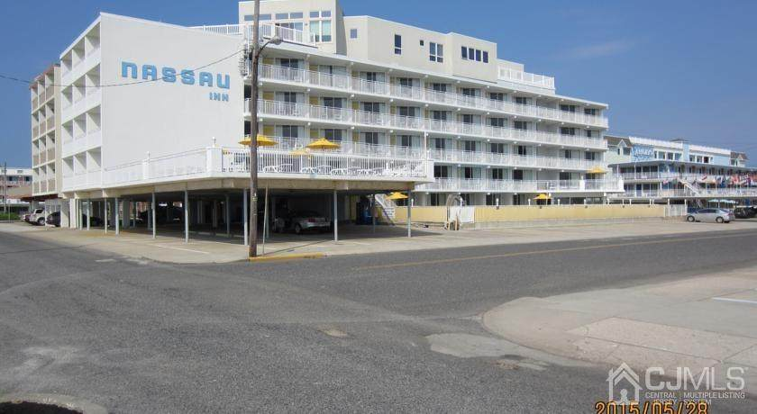 6201 Ocean Avenue - Photo 1