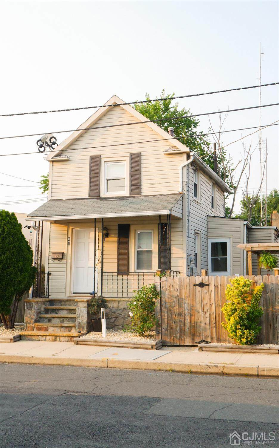 28 Warren Street - Photo 1