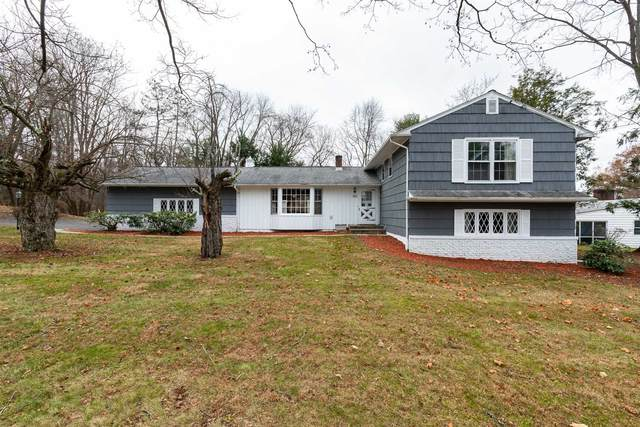 39 Round Hill Rd, Poughkeepsie Twp, NY 12603 (MLS #390797) :: The Home Team