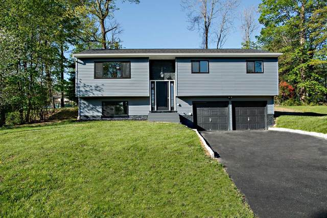 63 Robin Rd, Poughkeepsie Twp, NY 12603 (MLS #400201) :: The Home Team