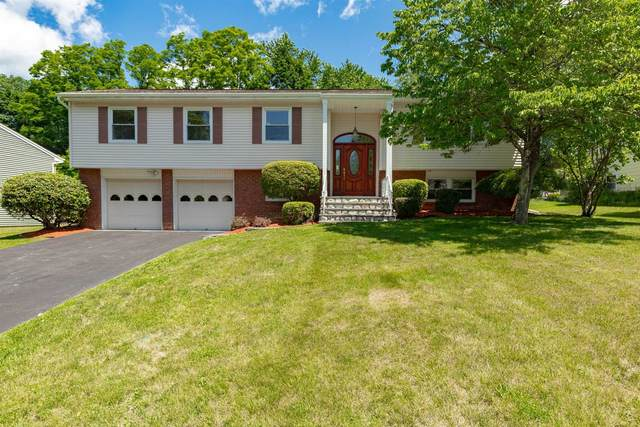 54 Carriage Hill Ln, Poughkeepsie Twp, NY 12603 (MLS #400955) :: Barbara Carter Team