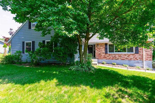 10 Carriage Hill Ln, Poughkeepsie Twp, NY 12603 (MLS #401221) :: Barbara Carter Team