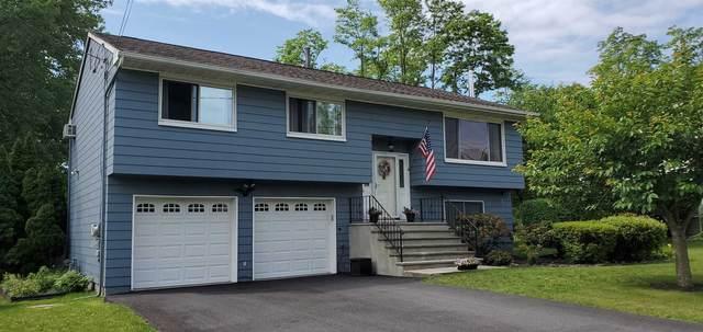 9 Sutton Park Rd, Poughkeepsie Twp, NY 12603 (MLS #401368) :: Barbara Carter Team