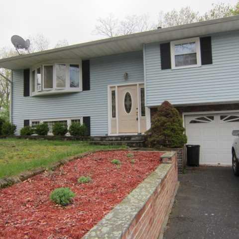 4 Sherwood Lane, Hyde Park, NY 12601 (MLS #371126) :: Stevens Realty Group