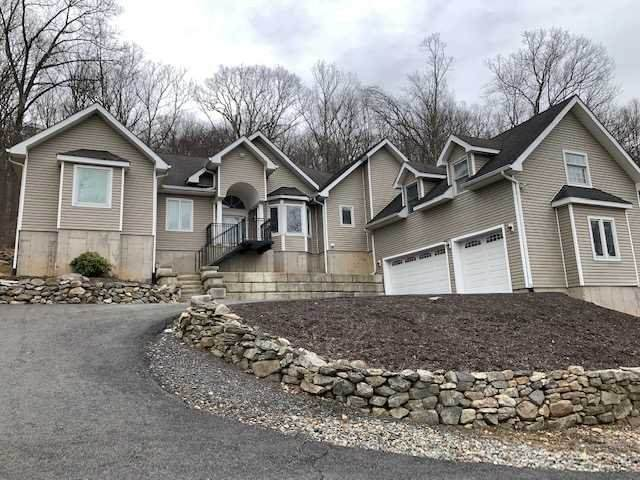 146 Woodmont Rd, East Fishkill, NY 12533 (MLS #389632) :: The Home Team