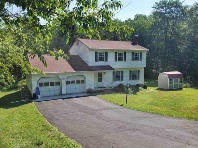 15 Thornhill, Pleasant Valley, NY 12569 (MLS #401206) :: Barbara Carter Team