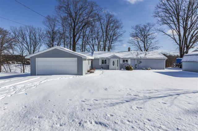 5284 N Lake Sanford Rd, Sanford, MI 48657 (MLS #31369719) :: Bricks Real Estate Experts