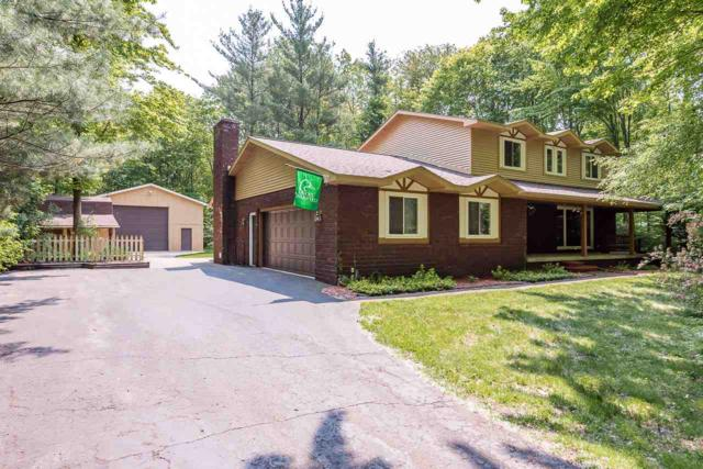 2430 N Woodland Estates, Midland, MI 48642 (MLS #31382146) :: Bricks Real Estate Experts