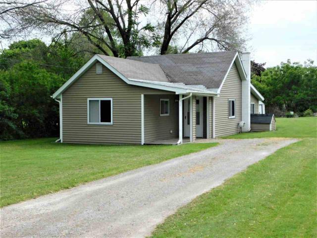 1177 S Poseyville, Midland, MI 48640 (MLS #31383641) :: Bricks Real Estate Experts