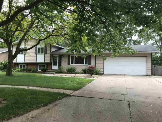 2804 Blairmont, Midland, MI 48642 (MLS #31383800) :: Bricks Real Estate Experts