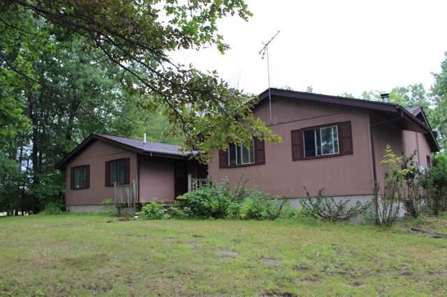 2815 K Bar L, Midland, MI 48640 (MLS #31391139) :: Bricks Real Estate Experts