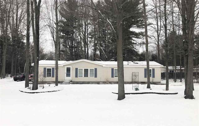752 W Maple Crest Drive, Sanford, MI 48657 (MLS #50005765) :: Bricks Real Estate Experts