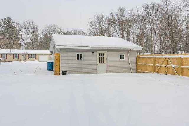 579 W Basing Lane, Sanford, MI 48657 (MLS #50006032) :: Bricks Real Estate Experts