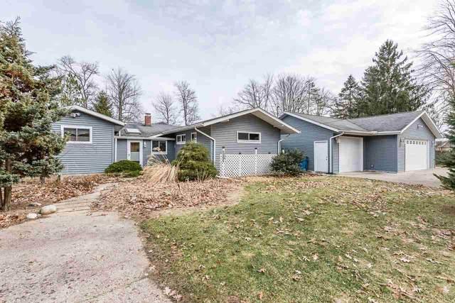 3220 N Lakeside Drive, Sanford, MI 48657 (MLS #50009011) :: Bricks Real Estate Experts