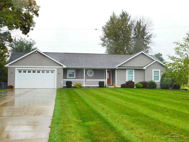 10256 Scott, Freeland, MI 48623 (MLS #31361706) :: Bricks Real Estate Experts