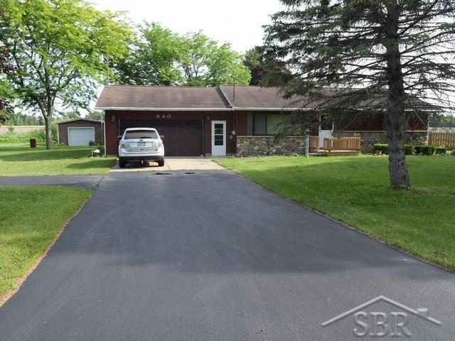 940 E Freeland, Merrill, MI 48637 (MLS #31376446) :: Bricks Real Estate Experts