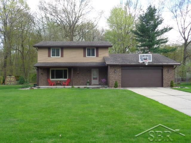7617 S Laurie, Saginaw, MI 48609 (MLS #31379546) :: Bricks Real Estate Experts