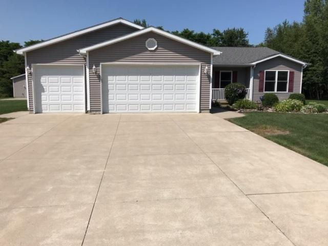 9612 Tittabawassee, Freeland, MI 48623 (MLS #31388441) :: Bricks Real Estate Experts