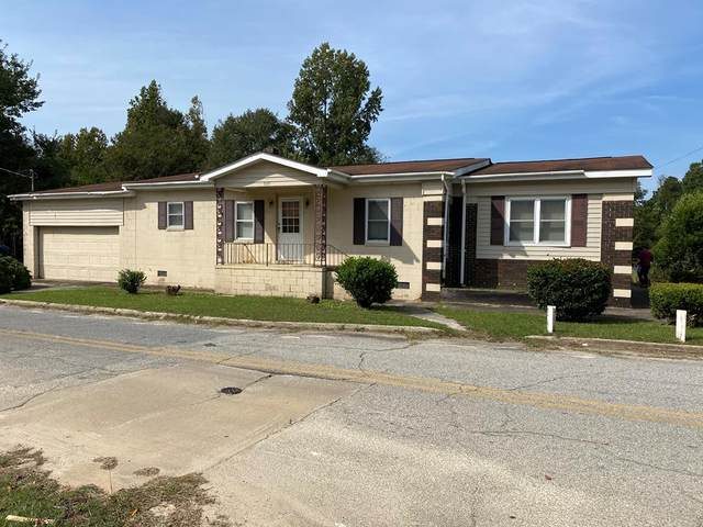 539 Carver St, Tennille, GA 31089 (MLS #42676) :: Lane Realty