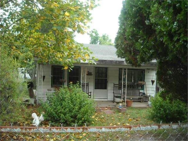 119 Moore, Milledgeville, GA 31061 (MLS #44757) :: Lane Realty