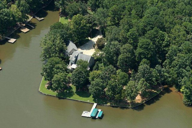 1301 Meadow Drive, Greensboro, GA 30642 (MLS #24645) :: Lane Realty