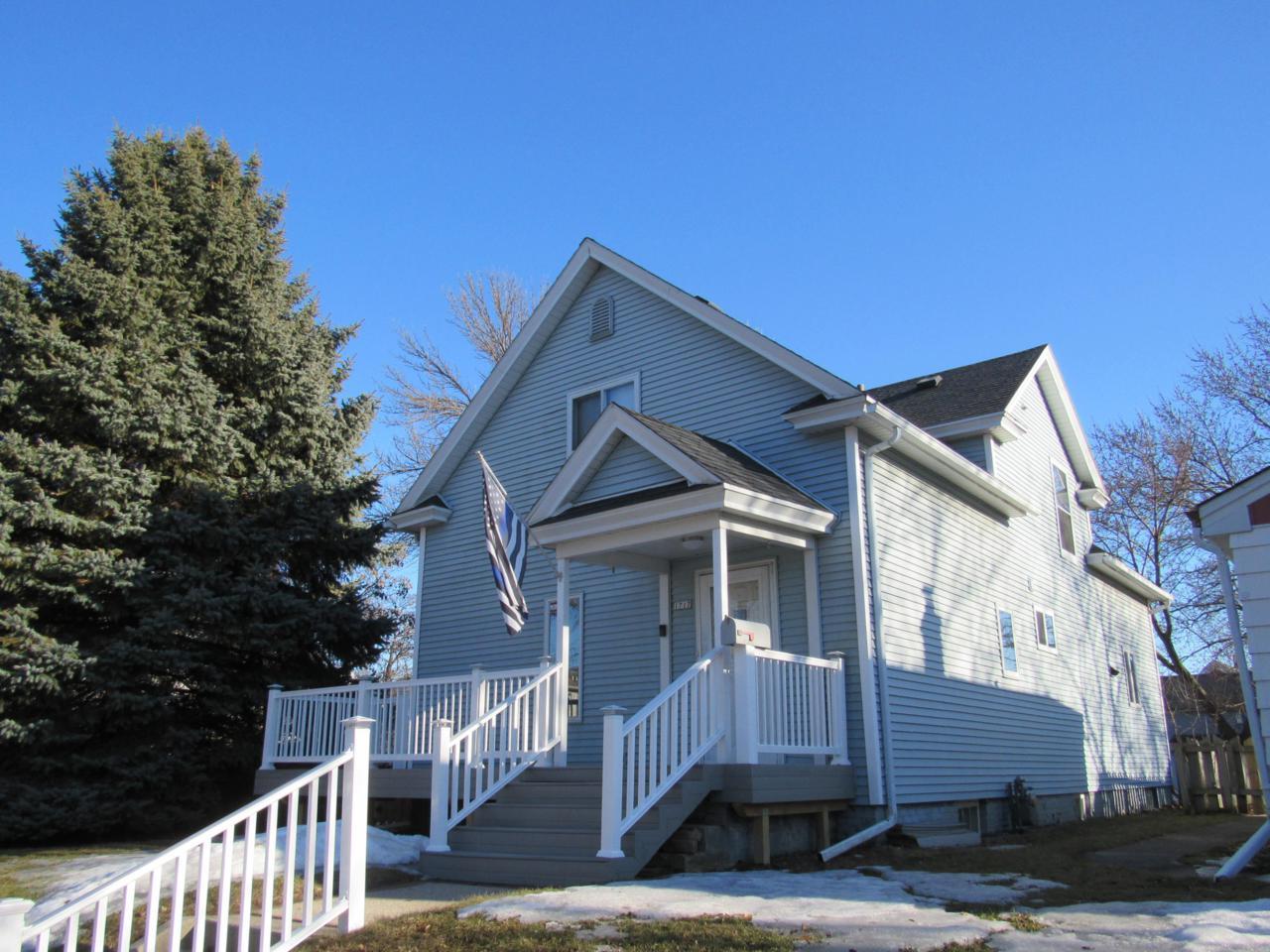 1717 Huron Ave - Photo 1