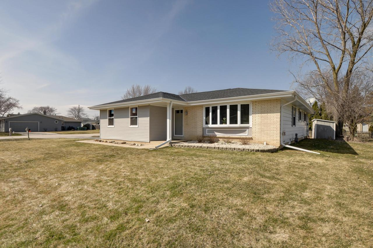 5648 Carriage Hills Dr - Photo 1