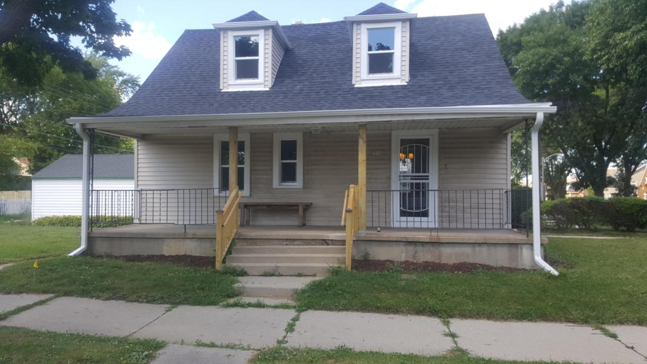 2206 Ruby Ave - Photo 1